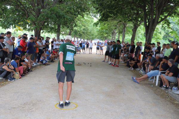 Philippe Suchaud tire dans les allées du Parc Borély.