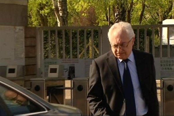Guy Cotret, nouveau président de l'AJA, à son arrivée au siège du club auxerrois