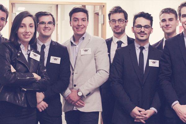 Huit étudiants en troisième année de licence de droit ont lancé leur propre start-up.