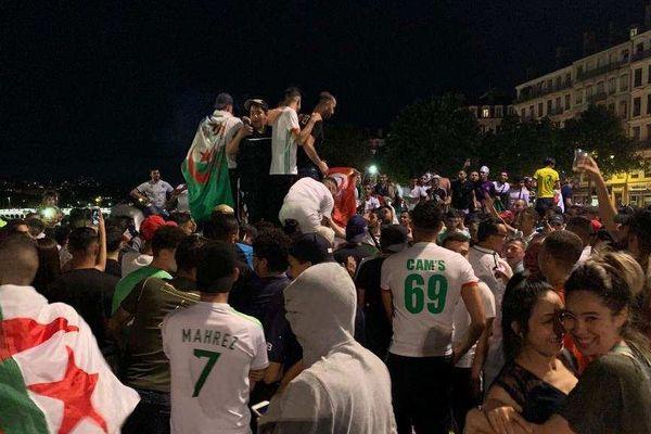 Les lyonnais d'origine algérienne sont sortis dans la rue le soir du 14 juillet, pour la qualification de l'Algérie en finale de la Coupe d'Afrique des Nations