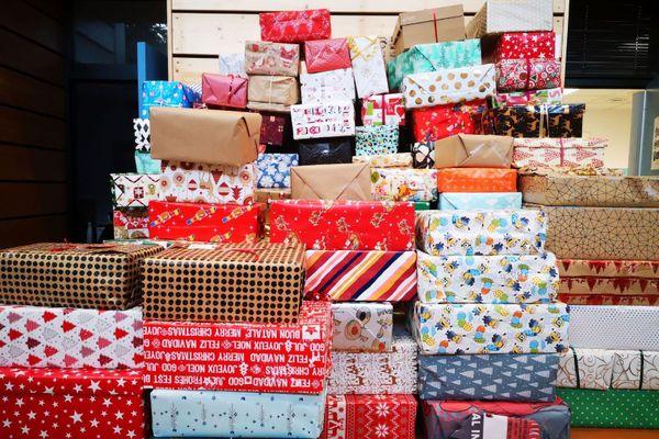 Plus de 750 boites solidaires, ont été récoltées sur un objectif de 100, afin d'offrir un Noël aux plus démunis à Vénissieux et à Lyon, depuis le centre social de Parilly.
