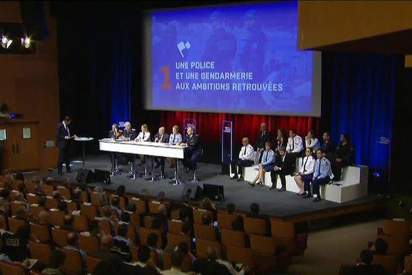Gérard Colomb, ministre de l'Intérieur, détaille sa Police de Sécurité du Quotidien, jeudi 8 février 2018 à l'Ecole militaire, à Paris.