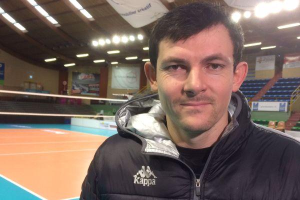 Baptiste Geiler, réceptionneur-attaquant et pièce maîtresse de l'équipe poitevine de volley-ball.