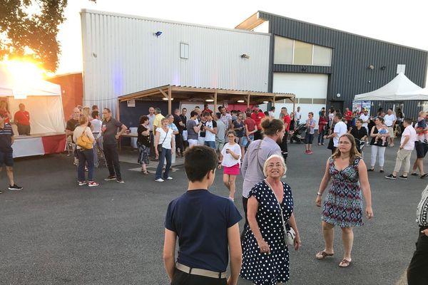 Le bal des pompiers de Chauvigny a rassemblé 200 personnes, ce 13 juillet 2019.