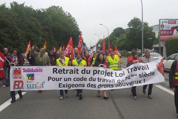 Rennes : le défilé parti des Longs Champs pour rejoindre Beauregard