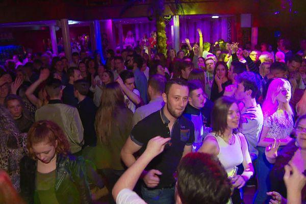 Dernière soirée avant la fermeture de la discothèque le Kes West de Bours.
