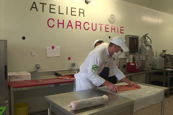 7ème édition de l'International Catering Cup. L'équipe de France se prépare à Chateauneuf-sur-Isère (Drôme)
