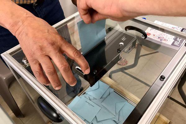 Seuls 12.22 % de la population française a voté ce matin