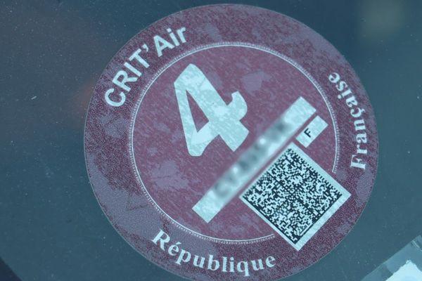 Les véhicules dotées d'une vignette Cri'Air 4 ou supérieure pourront de nouveau circuler dans 12 communes de la métropole lilloise.
