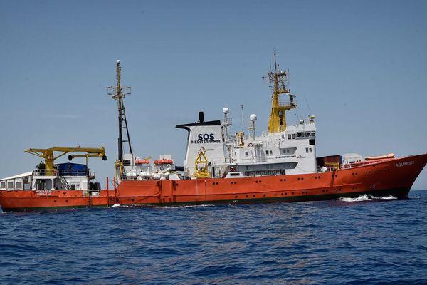 Illustration - Le navire humanitaire Aquarius de SOS Méditerranée.