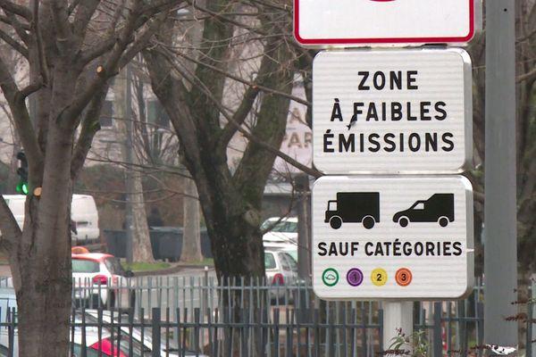 Zone à Faibles Emissions à Lyon : la lutte contre la pollution atmosphérique, priorité de Métropole, fait polémique
