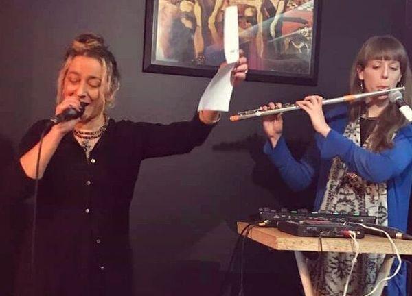 Le duo Hippopoplane joue ce soir dans le Haut-Montreuil à 20 heures 5 minutes