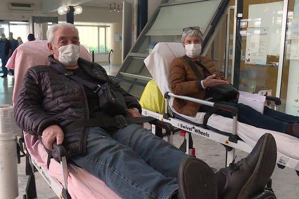 Pierre et Raymonde ont contracté les symptômes du coronavirus après un séjour à la montagne en Savoie.