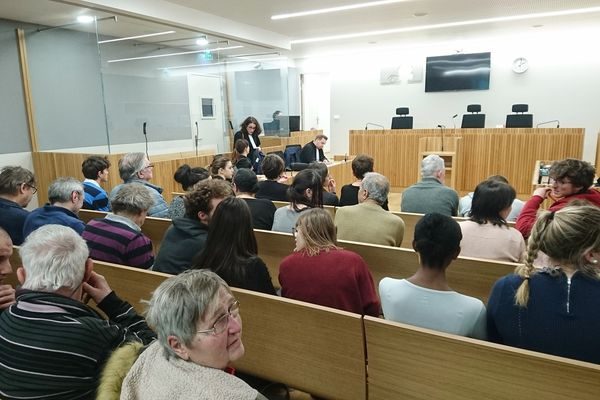 Le procès, qui se tient au tribunal correctionnel de Strasbourg, fait salle comble.