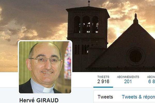 """Mgr Hervé Giraud, surnommé """"l'évêque 2.0"""", a été nommé archevêque de Sens et Auxerre par le pape François."""