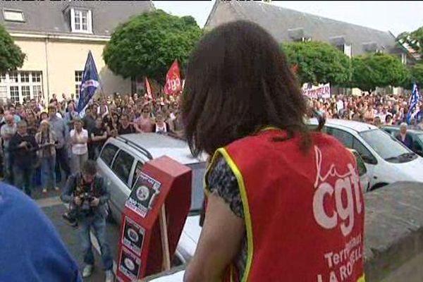 La manifestation des agents territoriaux le 9 juin 2016 à La Rochelle à l'appel de la CGT et Sud.