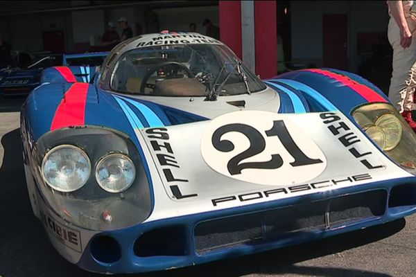Cette Porsche 917 a participé aux 24 h du Mans en 1971.