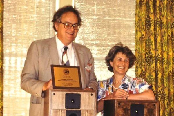 Georges Cabasse avec son épouse Elisabeth démarrent leur entreprise dans leur pavillon de banlieue parisienne