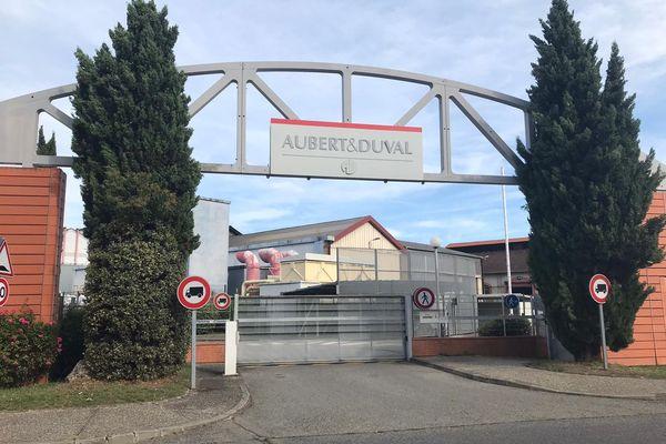 Des experts travaillent actuellement pour sécuriser le site et favoriser une reprise rapide de l'activité chez Aubert & Duval.