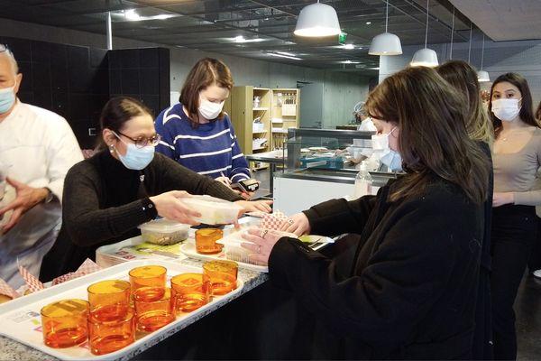 Les étudiants de l'Université Fonderie peuvent bénéficier de bons repas