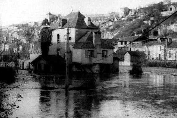 11 novembre 1952 : inondation à Poitiers en raison d'une importante crue du Clain.