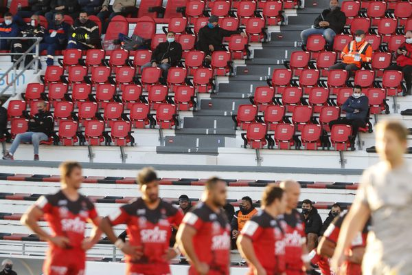 Les joueurs du club de rugby de Toulon ont accepté de prolonger jusqu'à la fin de la saison la baisse des salaires.
