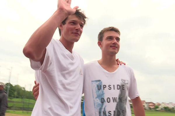 Ils s'étaient lancé un défi fou : battre le record du monde de saute-mouton en 24h établi à 20.000 impulsions. Yann Schweitzer et Adrien Reinwalt, deux amis Wissembourgeois, ont tenu la durée mais pas le nombre de sauts.