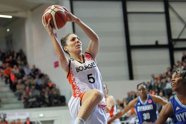 Les basketteuses de Bourges sont passées près de la victoire face aux tenantes du titre.