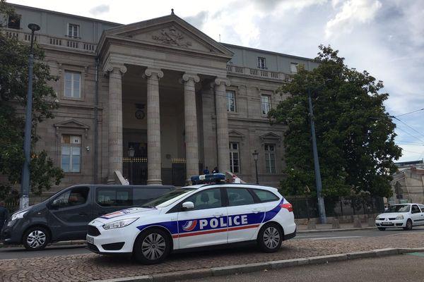 Dernier jour du procès de l'affaire Mehdi Fakir, aux Assises de la Haute-Vienne, à Limoges.