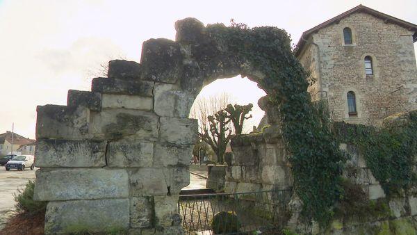 Pour l'instant, toute une partie des nombreux vestiges de la ville ne sont que des éléments de décor. Ils devraient être mis en valeur grâce à ce parcours de découverte gallo-romain