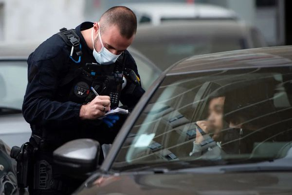 Photo d'un contrôle de police. Photo d'illustration. (CLEMENT MAHOUDEAU/AFP)
