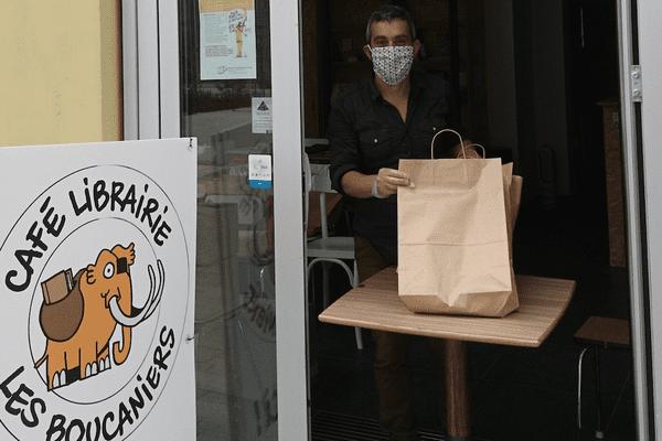 Le café librairie Les Boucaniers en mode confiné