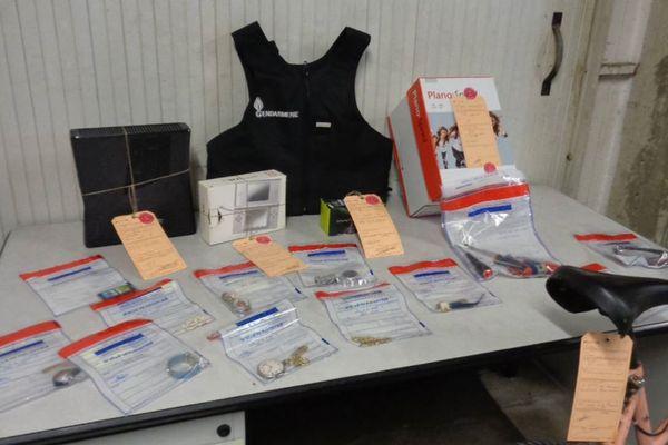 Une partie du matériel volé retrouvé chez les cambrioleurs dont 5 étaient mineurs.