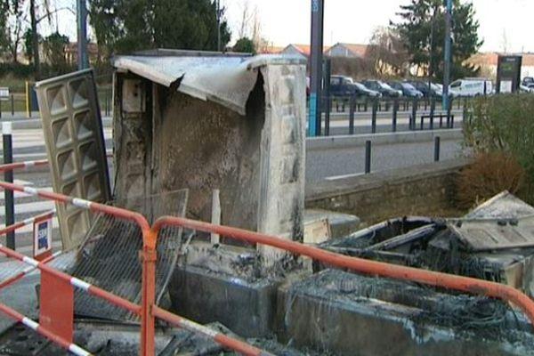 Le compteur électrique incendié samedi 7 mars, aux 408 à Besançon.