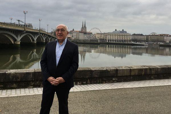 Jean-René Etchegaray annonce qu'il se représente à la mairie de Bayonne.