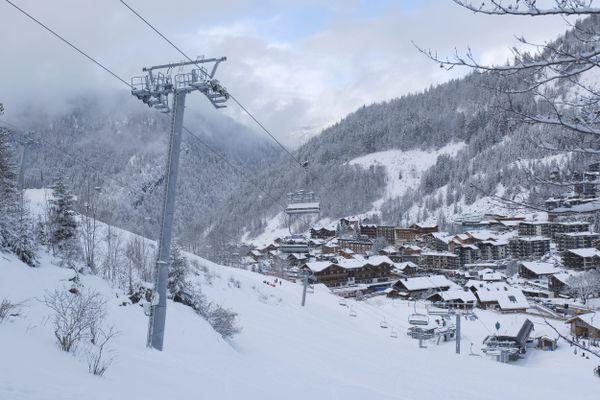 Les remontées mécaniques de La Clusaz (Haute-Savoie) fermées à cause de la pandémie de Covid-19, en décembre 2020.
