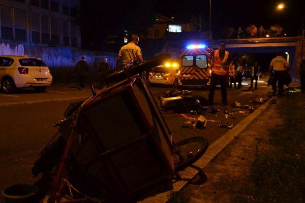 L'accident a eu lieu à hauteur d'un rétrécissement de chaussée avec priorité au véhicule arrivant en face.