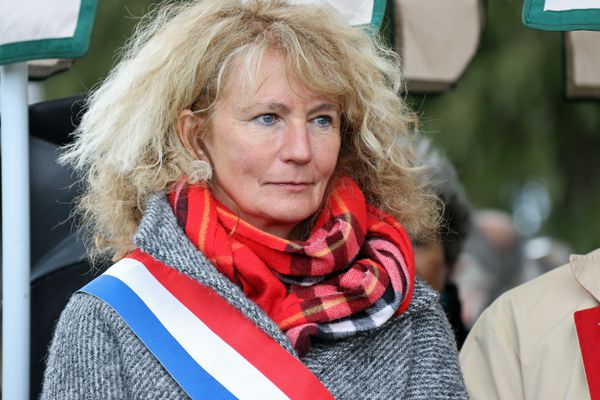 Martine Wonner le 11 avril 2021 à Quimperlé (29) lors d'une manifestation contre l'état sécuritaire, le port du masque et la vaccination.