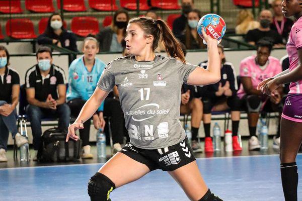 Marie Prouvensier a commencé le handball à l'âge de 5 ans.