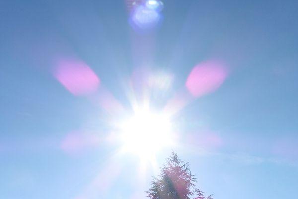 Les conditions anticycloniques ont permis de dépasser dimanche 18 juin de 6 à 8°c les températures moyennes de saison
