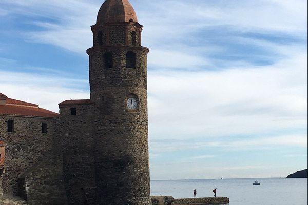 Le clocher de Collioure symbole patrimonial mais aussi festif de cette cité catalane de la côte Vermeille.
