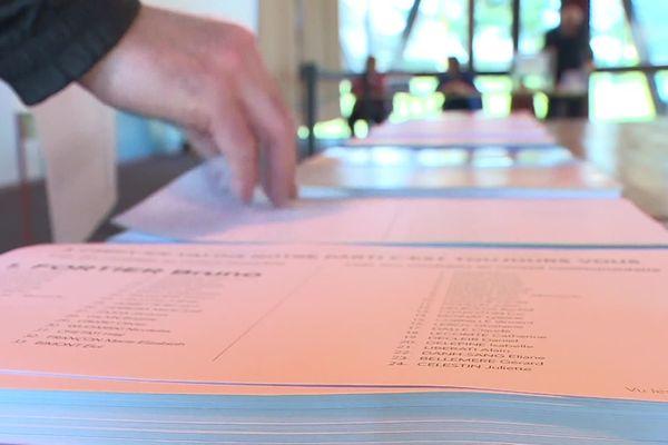 Depuis 2014, dans les communes de plus de 1000 habitants, les conseillers communautaires sont élus lors des élections municipales.