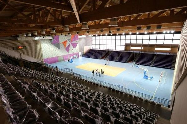 14/09/13 - La toute nouvelle halle des sports d'Ajaccio, U Palatinu
