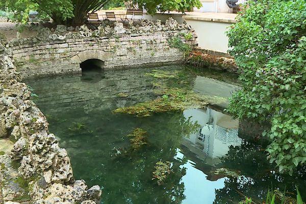 La consommation de l'eau du Neuvon a été interdite pour deux propriétés par décision municipale.