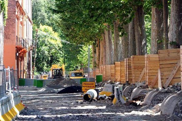 Les travaux du tram Garonne, à Toulouse, sur les allées Jules Guesde