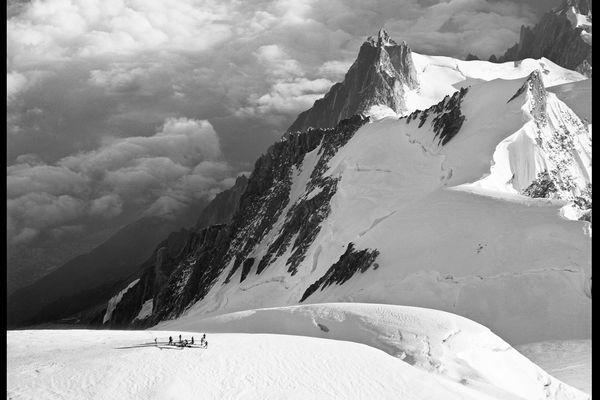 Ascension estivale du mont Blanc par les troupes de montagne, Chamonix-Mont-Blanc, 13 septembre 1963.
