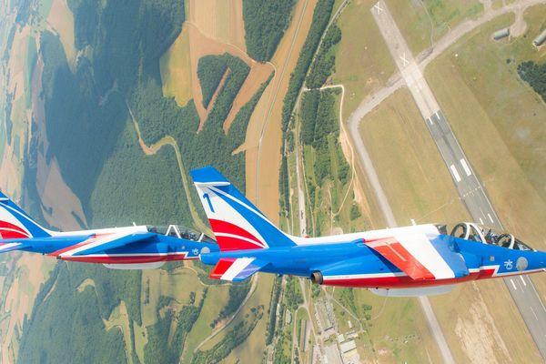 La patrouille de France au dessus de la BA 133 de Nancy-Ochey
