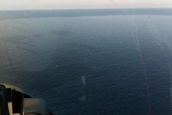 """27/09/13 - Pollution maritime d'hydrocarbure de type """"fuel lourd"""" à l'Est de la Corse"""