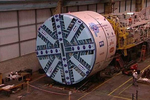 Un tunnelier, fabriqué au Creusot par l'entreprise NFM Technologies, va participer au prolongement Nord de la ligne 14 du métro parisien.