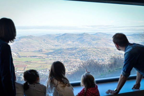 Près de Clermont-Ferrand, le musée de Gergovie retrace l'histoire de la célèbre bataille éponyme opposant les Gaulois aux Romains.